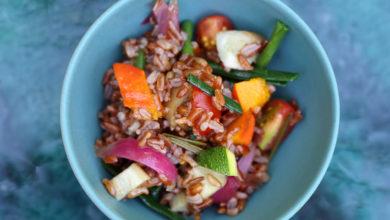 Le riz rouge sauté façon thaï, légumes de printemps et tofu d'Armand Arnal