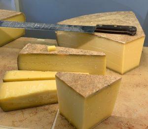 La raclette, tout un fromage : comment bien la choisir et l'accompagner